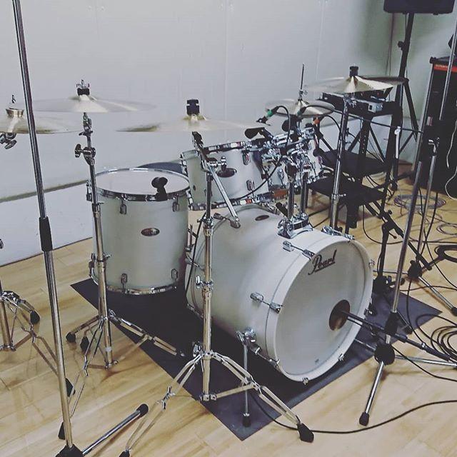 引山店です!今日はドラムのレコーディングです! #スタジオ #リハーサルスタジオ #名古屋 #千種区 #名東区 #守山区 #尾張旭 #瀬戸 #レコーディングスタジオ #リハスタ #引山 #バンド #音楽 #音楽好きな人と繋がりたい #楽器店 #楽器修理
