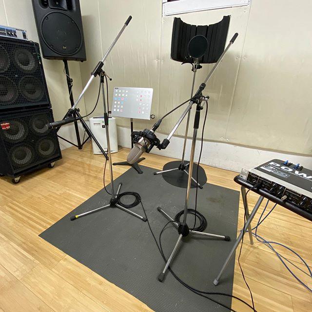 おはようございます今日は朝からレコーディングのお仕事です♪張り切って準備してまーす#スタジオエチュード #引山店 では #弾き語り #激安レコーディング 1h2200円〜 アーティストさんにはとことん付き合います!!!