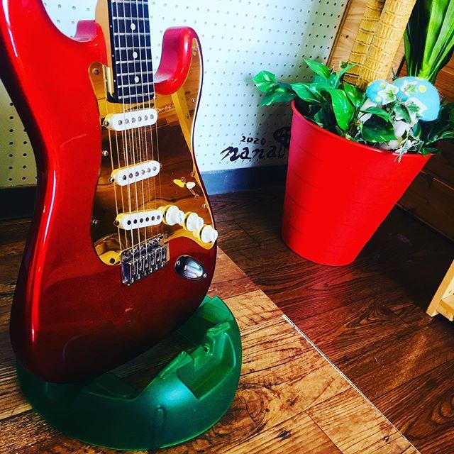 先日、中学生のお子さまの体験レッスンを行いましたが、正式に受講してもらってまーすエレキギターに挑戦。一緒に頑張りましょう♫スタジオエチュード引山店今日も元気にオープンしましたー!!! 今日はどんな人が来るかなー?お問い合わせ待ってまーす^_^ tel 052-760-6607#アップライトピアノ #名古屋市 #音楽教室 #習い事 #リハスタ #レコスタ #レコーディング